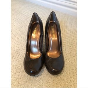 Patent Leather Brown Round Toe Heels 6.5